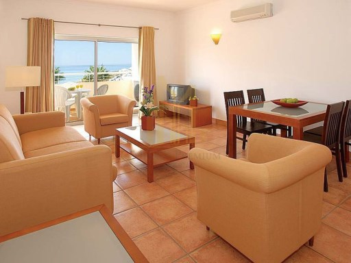 One bedroom apartment a few meters from the beach.%6/20