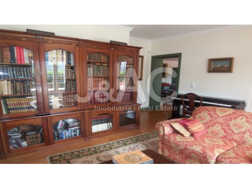 Exceptional House 5 bedroomsSintra, Living room reading and music (2)%8/27