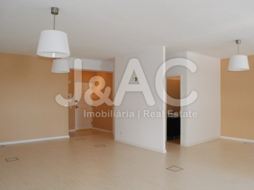 Office for sale Oeiras, Waiting room (2)%4/9