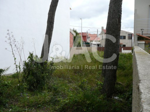 Property land with 3 bedroom Villa Project, view from Rear%4/5