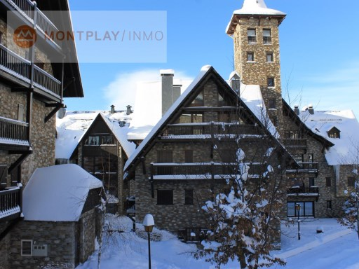 APARTMENT 2 BEDROOMS 2 BATHROOMS IN PLETA DE BAQUEIRA NIN | 2 Bedrooms | 2WC