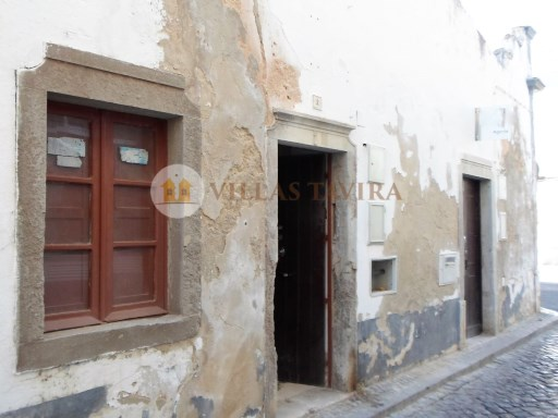 Villas Tavira Real Estate: Old House to retrieve in the Centre of Tavira_0402%3/25