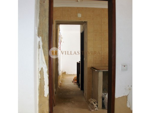 Villas Tavira Real Estate: Old House to retrieve in the Centre of Tavira_DSC055883%16/25