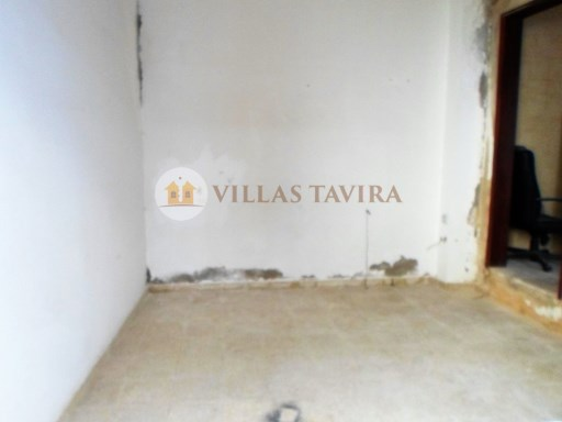 Villas Tavira Real Estate: Old House to retrieve in the Centre of Tavira_0399%24/25