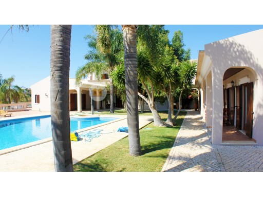4 bedroom villa with pool in the hills with sea views | 4 Bedrooms | 6WC