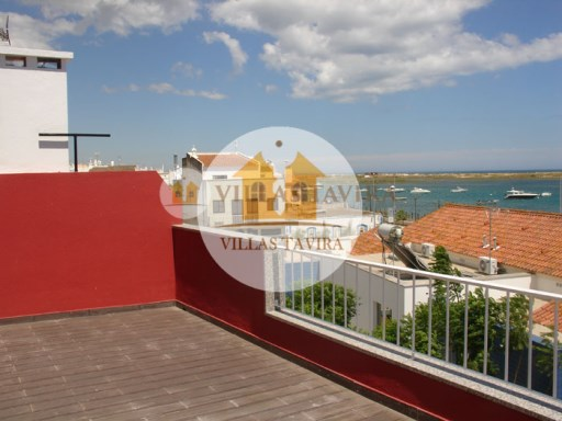 2 Bedroom apartment on the 2nd floor with views of the estuary and sea of Tavira / Algarve huts | 2 Bedrooms | 2WC