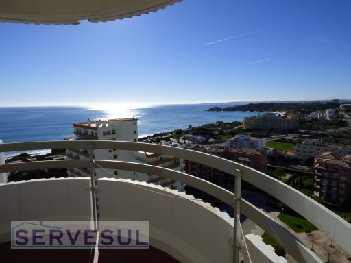 Spectacular 1 bedroom Apartment with amazing sea and mountain views, located in Praia da Rocha-Portimão. | 1 Bedroom | 1WC