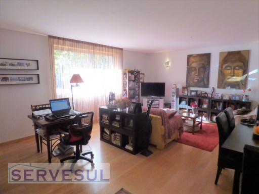 Modern 2 bedroom Apartment, located in the centre of the Historical City of Silves, close to all services, restaurants, shops and schools. | 2 Bedrooms | 2WC