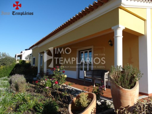 4 Bedroom villa with 1800sqm of land - Parish of Beselga%1/18