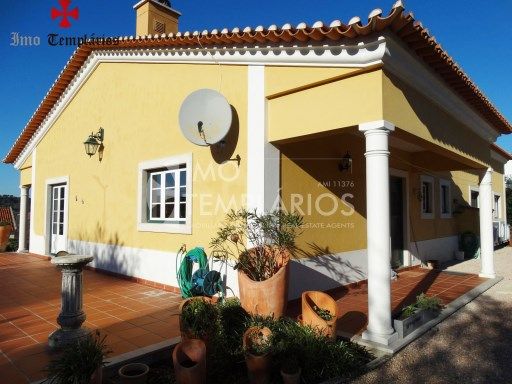 4 Bedroom villa with 1800sqm of land - Parish of Beselga%2/18