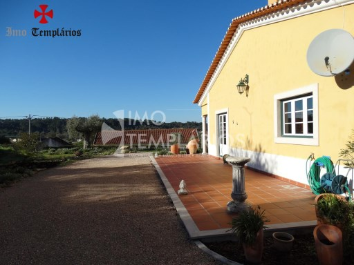 4 Bedroom villa with 1800sqm of land - Parish of Beselga%4/18