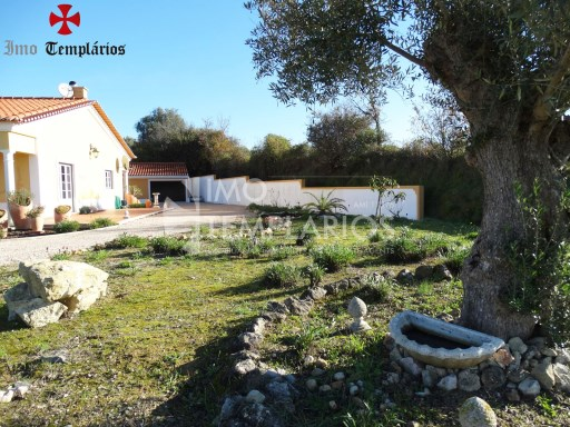 4 Bedroom villa with 1800sqm of land - Parish of Beselga%7/18