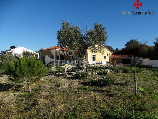 4 Bedroom villa with 1800sqm of land - Parish of Beselga%8/18