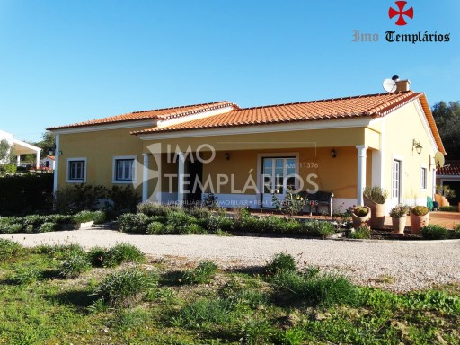 4 Bedroom villa with 1800sqm of land - Parish of Beselga%3/18