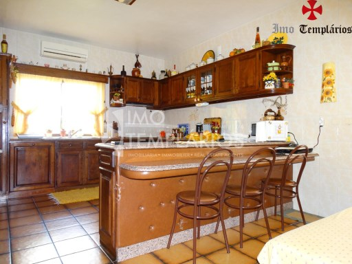 Beautiful 3 bedroom Villa w/garage %22/27