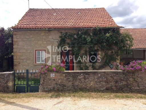 Farm with House T4 in stone and 2 suites with 50 m 2 each.%2/122