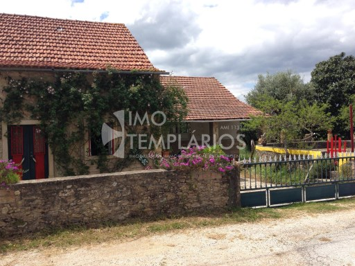 Farm with House T4 in stone and 2 suites with 50 m 2 each.%11/122