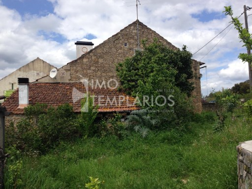 Farm with House T4 in stone and 2 suites with 50 m 2 each.%29/122