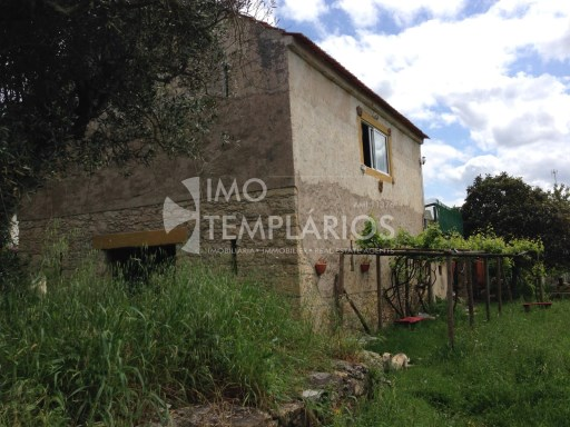 Farm with House T4 in stone and 2 suites with 50 m 2 each.%56/122