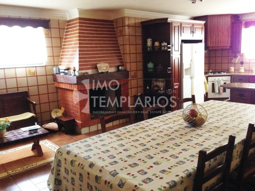 House 4 bedrooms + FIFTH c/7000 m2 + POOL-TAKE%13/25