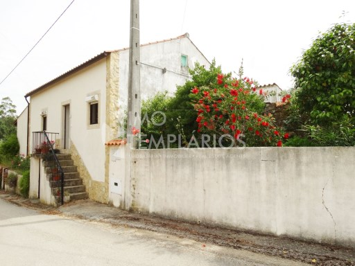 Village house c/1500 m2 of land-Ferreira do Zêzere%3/22