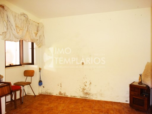Village house c/1500 m2 of land-Ferreira do Zêzere%11/22