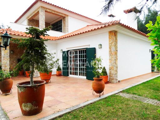 Spectacular Villa with 2,820 m2 of land-Ferreira do Zêzere%2/52