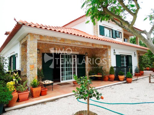 Spectacular Villa with 2,820 m2 of land-Ferreira do Zêzere%51/52