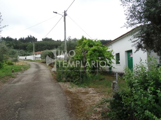 Habitable housing with 1,400 m2 in the parish of Areias, Ferreira do Zêzere%33/37
