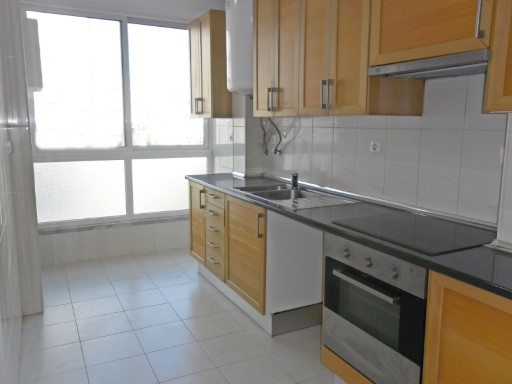 Apartment › Odivelas | 3 Bedrooms | 2WC