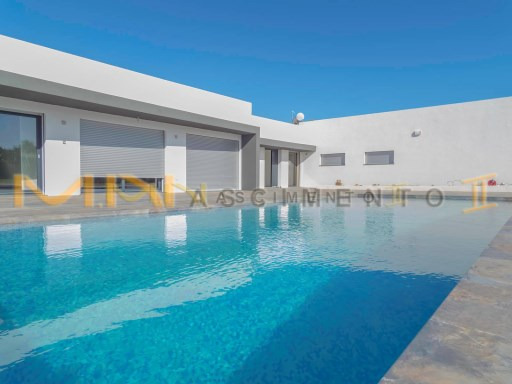 Contemporary house in Estói-Faro | 5 Bedrooms | 5WC