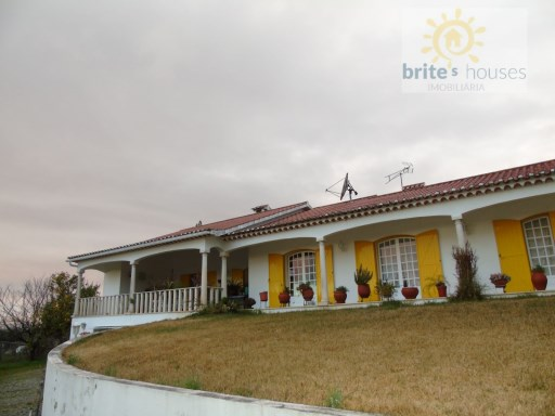 3 bedroom villa with annex and garage | 3 Bedrooms | 4WC