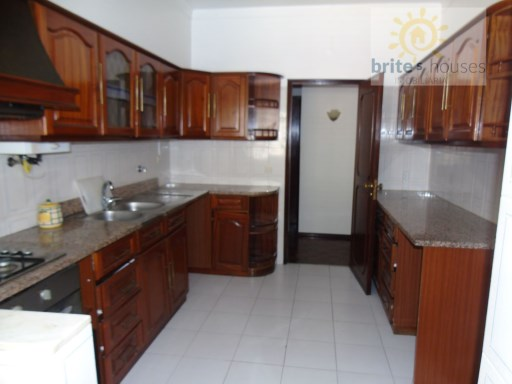 Spacious 3 bed apartment in Tomar. | 3 Bedrooms | 2WC