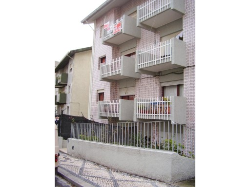 € 70,000-Floor 2 bedrooms refurbished in Monte Formoso.  | 2 Bedrooms | 1WC