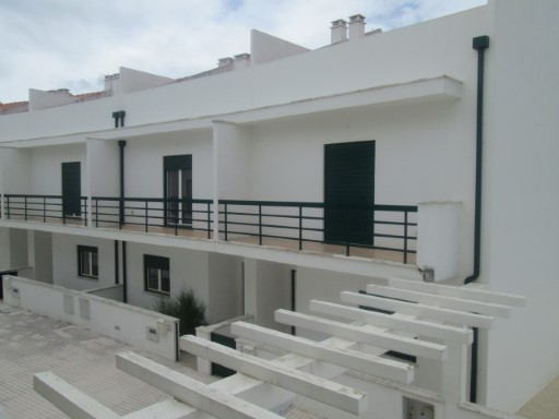 €134,500-townhouse T3 + attic (2 rooms) near the castle of Montemor-o-Velho.  | 3 Bedrooms + 2 Interior Bedrooms | 1WC