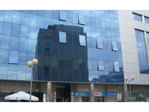 £ 110,000-Office with 65 m 2 in downtown Coimbra, in front of the store. |