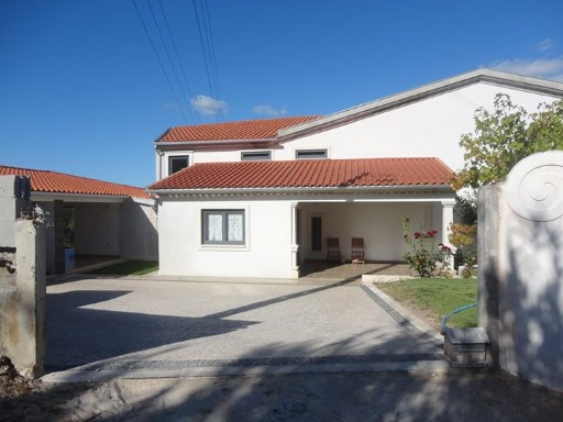 Detached house in the Serra da Lousã. | 4 Bedrooms | 2WC