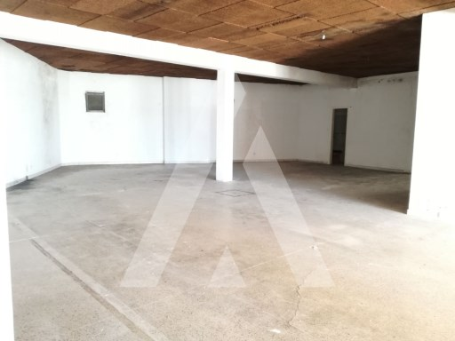 Shop for rent in the Centre of Albergaria-a-Velha |