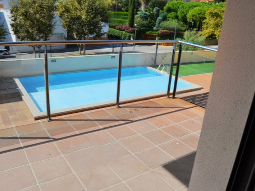 WEEKLY RENT APARTMENT WITH COMMUNAL POOL | 1 Bedroom | 1WC