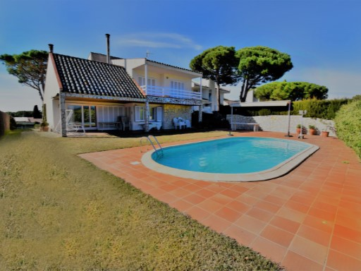 House › Arenys de Mar | 4 Bedrooms | 4WC