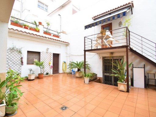 Sale of viienda with balcony, terrace, patio, storage, garage for 4 car | 4 Bedrooms | 2WC