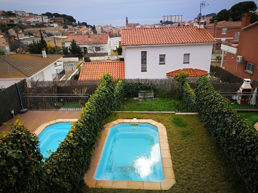 Sale of House with terrace, swimming pool and views to the sea and the mountain | 4 Bedrooms | 2WC
