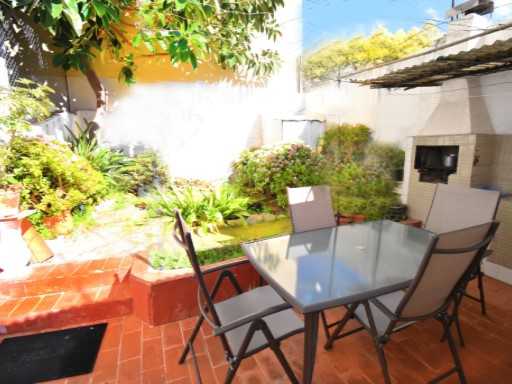 House for sale renovated with garden of 100m 2, terrace, very bright central. | 2 Bedrooms | 1WC