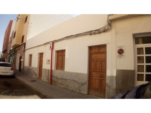 Terraced House › Santa Lucía de Tirajana | 3 Bedrooms | 1WC