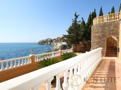 Exclusive Villa in first line of the Mediterranean  | 5 Bedrooms | 5WC