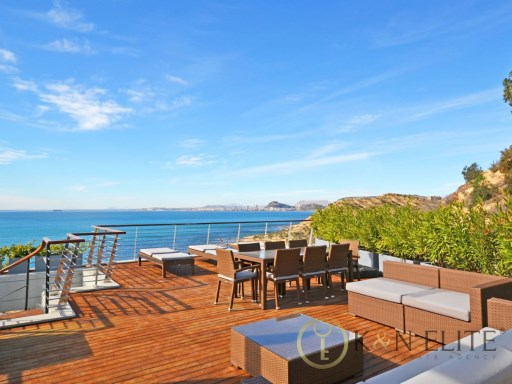 Exclusivity and Luxury in Cala Palmera | 3 Bedrooms | 2WC