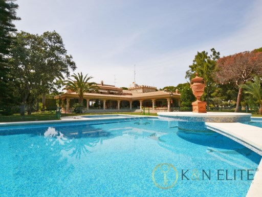 Villa › Alicante/Alacant | 8 Bedrooms | 5WC