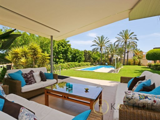 Villa › Alicante/Alacant | 8 Bedrooms | 7WC