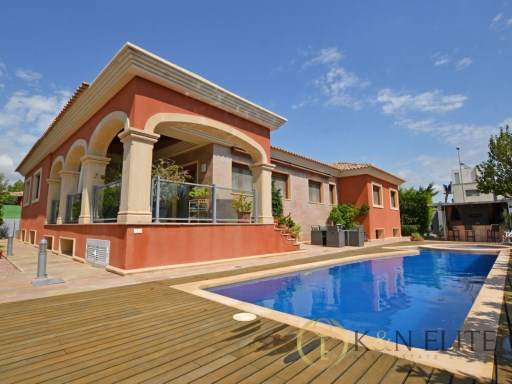 Villa › Sant Joan d'Alacant | 4 Bedrooms | 4WC
