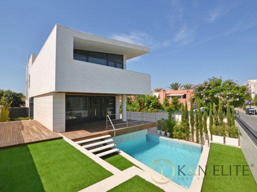 Villa › Alicante/Alacant | 4 Bedrooms | 3WC